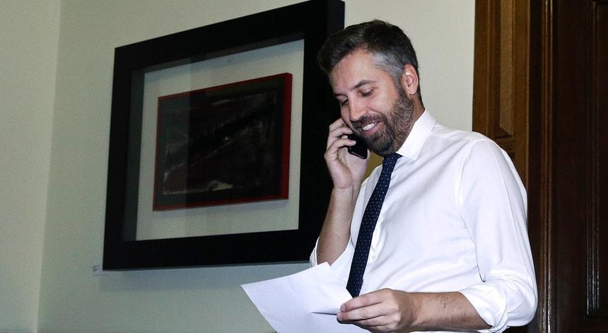 O secretário de Estado dos Assuntos Parlamentares, Pedro Nuno Santos, e Mário Centeno receberam esta quarta-feira os partidos políticos.