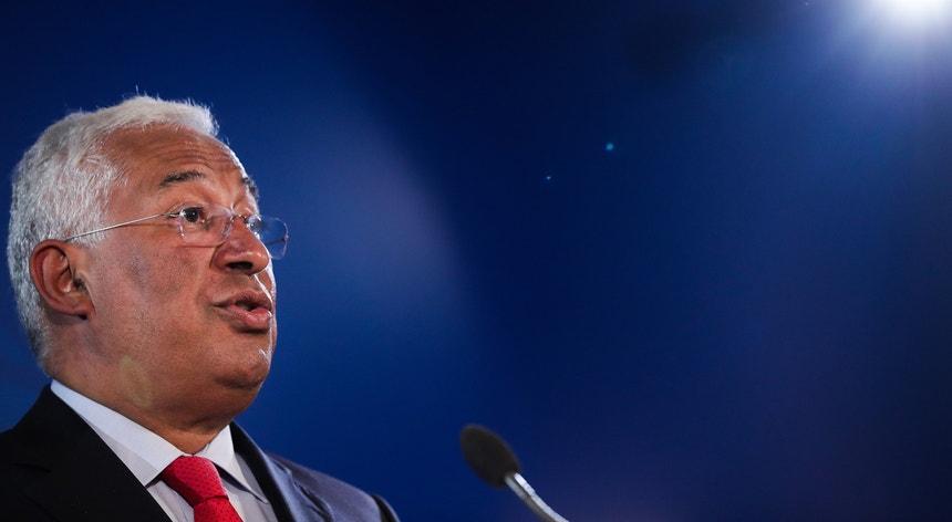 """""""Acho que temos que ver é como podemos evitar os passos atrás controlando a situação"""", afirmou António Costa"""