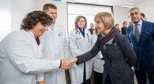Ministra da Saúde diz estar a acompanhar evolução do Corona vírus