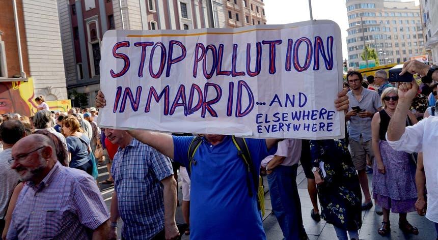 Protestos contra a decisão do PP, em Madrid