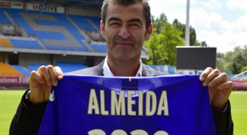 Rui Almeida aposta forte ao assumir a orientação da equipa do Caen
