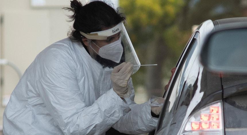 Apesar do desejo de regressar à vida normal na Califórnia o vírus teima em contrariar a vontade dos cidadãos