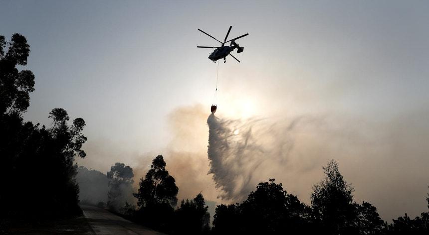"""O Governo solicitou à Força Aérea a """"disponibilização de meios aéreos"""""""