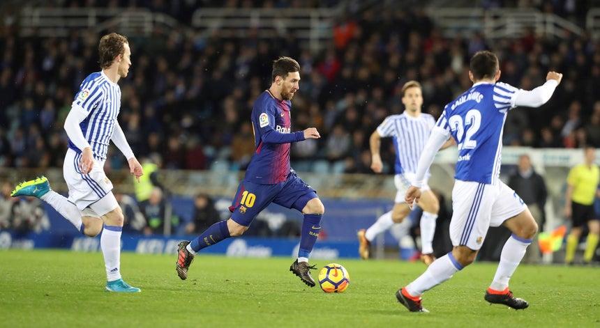 FC Barcelona vence continua invicto na Liga Espanhola - Espanha ... b723ee2d7c7b5