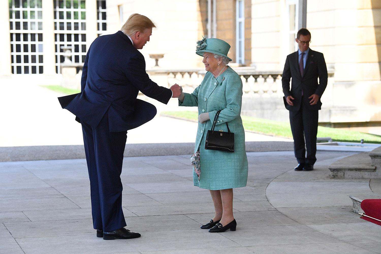 Encontro com a Rainha Isabel II /Victoria Jones - Reuters