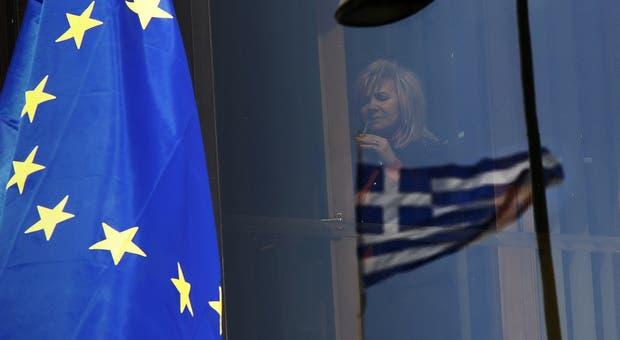 Em caso de bancarrota, o cenário de saída do euro apresenta-se como o mais provável, mas há outras soluções que se apresentam como possíveis.