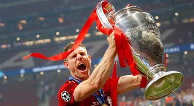 Médio inglês James Milner renova contrato com o Liverpool
