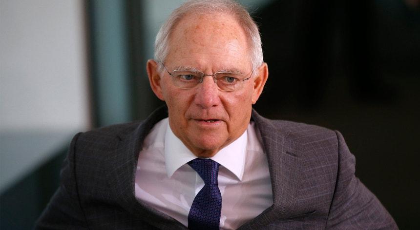 O responsável alemão pelas Finanças lançou a confusão numa conferência de imprensa em Berlim