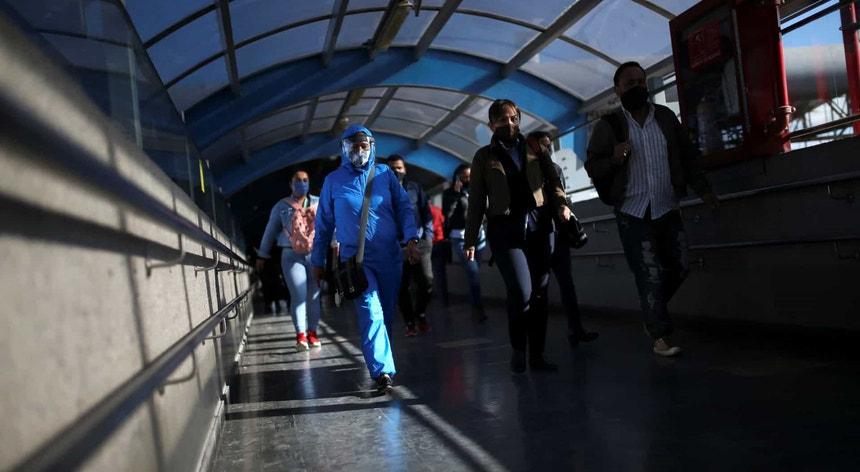 A Colômbia vai suspender as ligações aéreas com o Brasil