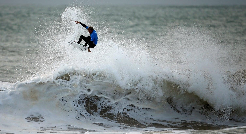 Circuito Mundial De Surf : Praia de supertubos aguarda etapa do circuito mundial de surf surf