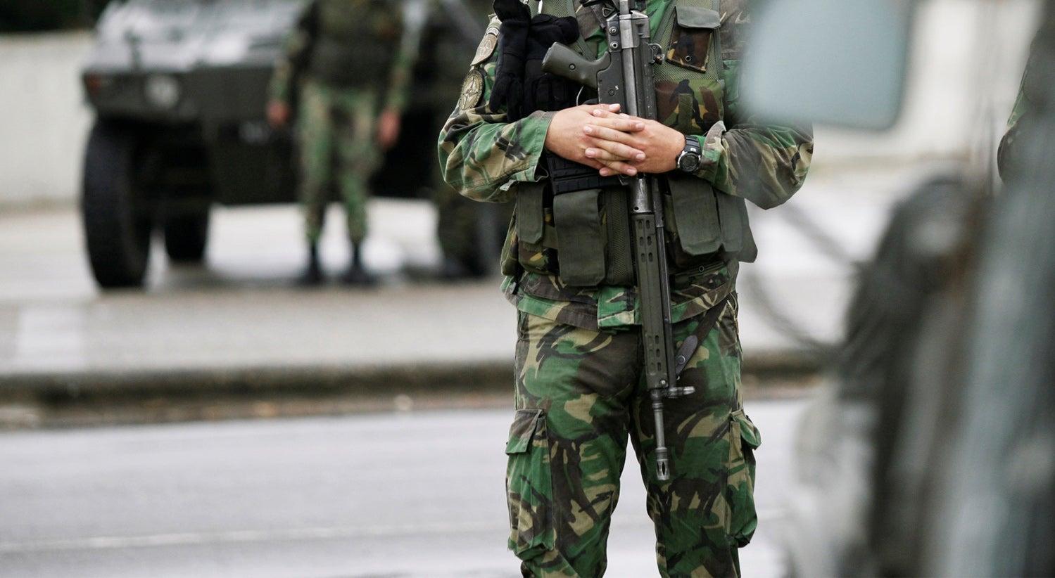 e2c60a3b39ba2 Militar dos comandos na Carregueira morre após acidente com arma de fogo