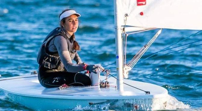 Carolina João caiu mais um lugar na prova no Mundial de laser radial
