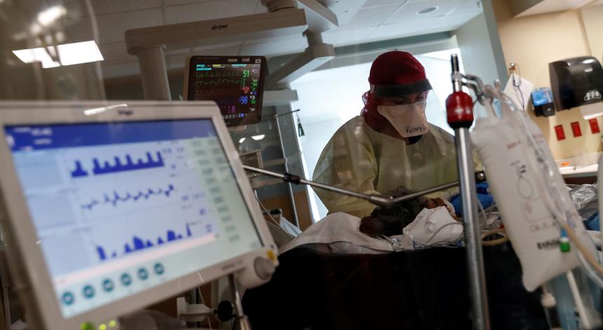 Já morreram mais norte-americanos devido à covid-19 do que há um século com a gripe espanhola