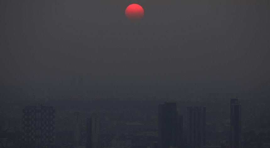 Pôr do sol em Banguecoque, na Tailândia