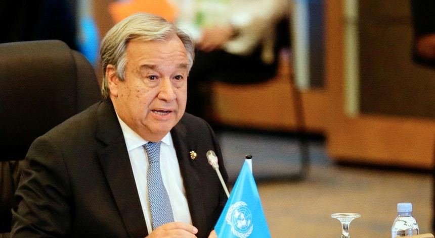 """""""O terrorismo é fundamentalmente a negação e a destruição dos Direitos Humanos"""", salientou Guterres"""