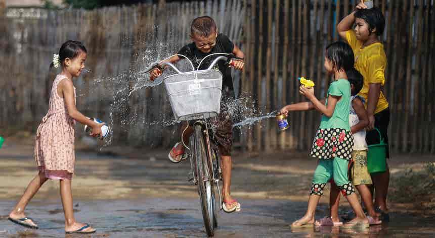 Myanmar. Um festival sob protesto
