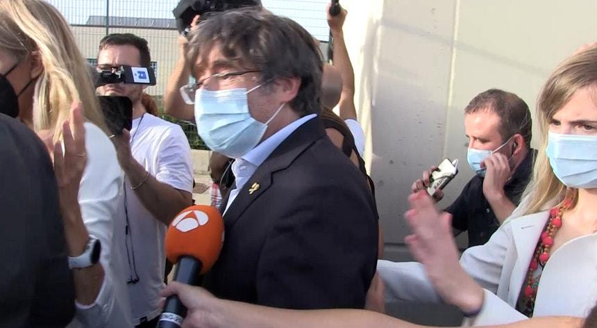 Puigdemont já deixou a prisão de alta segurança de Sassari onde se encontrava detido