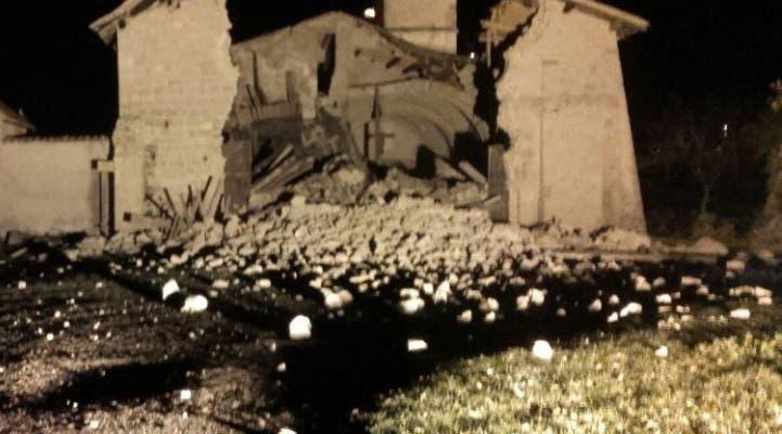 O primeiro abalo levou ao colapso de uma igreja em Campi di Norcia.