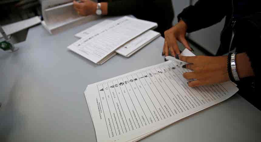 Legislativas. TC rejeita queixa do PSD sobre votos da emigração