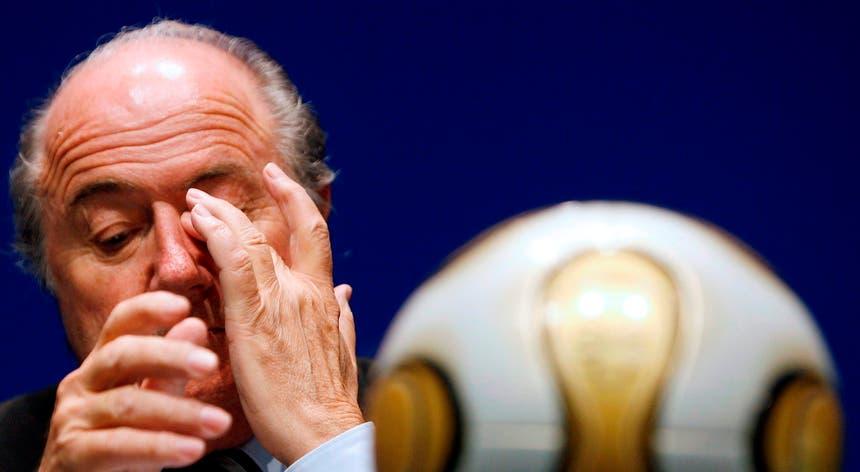 """Blatter revelou """"arranjos"""" para a atribuição dos mundiais de 2018 e 2022"""