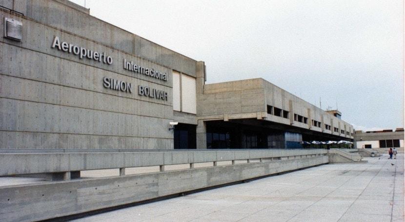 Do aeroporto Simón Bolivar partiram 264 portugueses