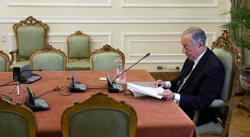 Covid-19. Presidente ouve partidos sobre renovação do estado de emergência