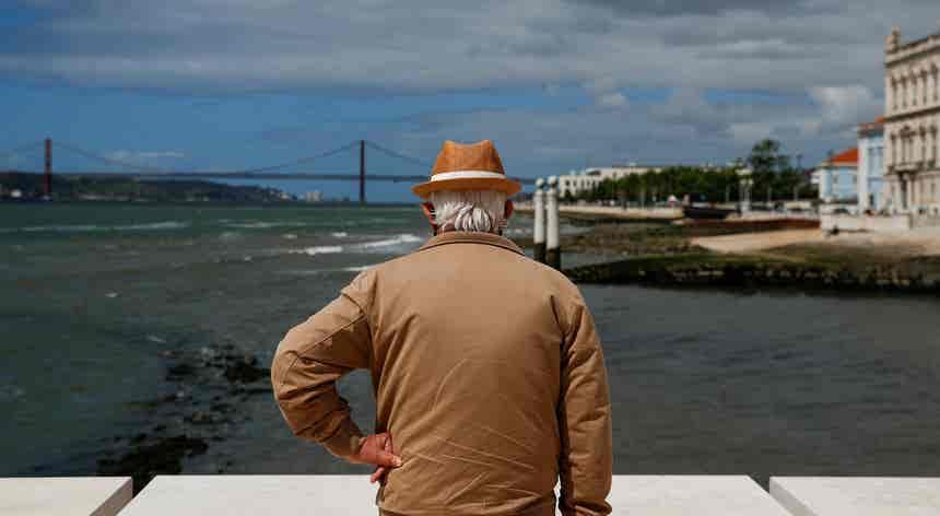 Especialistas falam já de quarta vaga em Lisboa