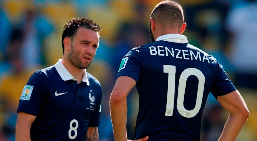 O avançado Karim Benzema vai falhar os particulares da seleção francesa de  futebol no final do mês c3ec0e9775685