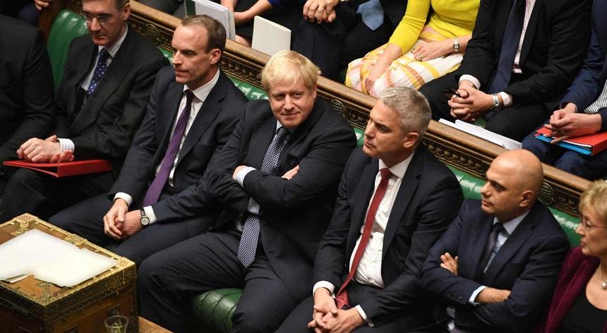 """""""Não vou negociar um adiamento, nem a lei me obriga a fazê-lo. Mais um adiamento seria mau para este país ou para a União Europeia e mau para a democracia"""", afirmava Boris Johnson na tarde de sábado"""
