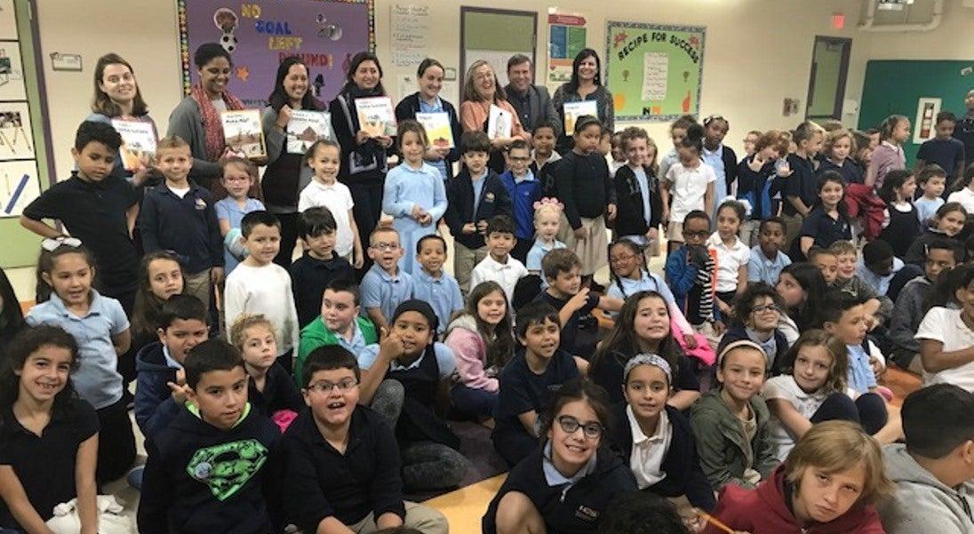 Escritor António Mota promove a língua portuguesa em escolas dos EUA