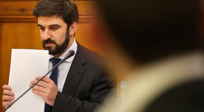 Ministro da Educação, Tiago Brandão Rodrigues durante a audição de 11 de maio na Comissão de Cultura, Comunicação, Juventude e Desporto