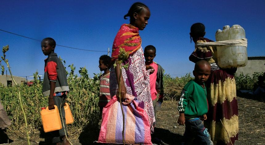 Refugiados etíopes no campo de Fashaga em Kassala, Sudão.
