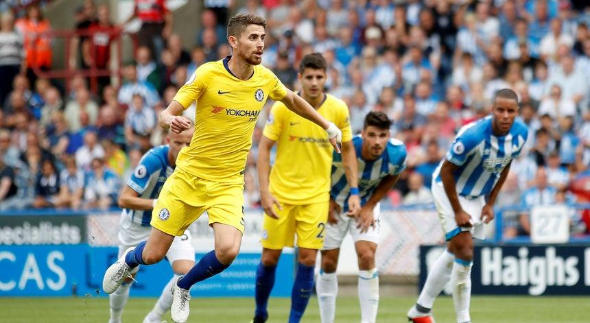 ef7793347f8da Chelsea inicia Premier League com vitória no campo do Huddersfield ...