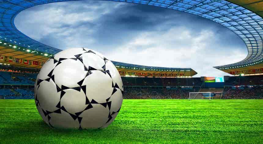 Futebol. Superliga europeia anunciada por 12 clubes de Espanha, Inglaterra e Itália