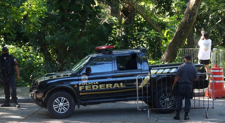A Polícia Federal brasileira vai investigar a divulgação de dados pessoais de Bolsonaro e outros agentes políticos