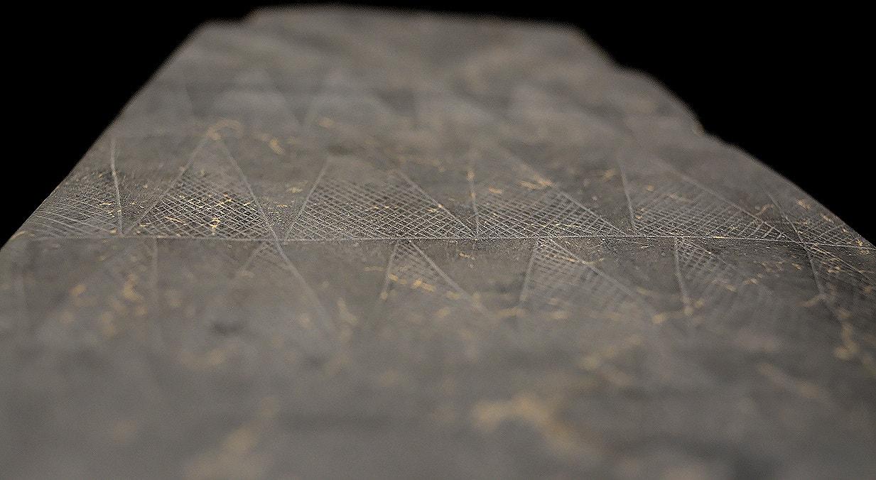 Ídolo placa, xisto, 3300-2500 a.C., Anta Grande do Olival da Pega, Reguengos de Monsaraz   Carla Quirino - RTP