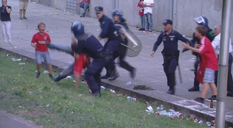 A agressão do subcomissário da PSP a dois adeptos do Benfica valeu-lhe um agravamento da pena