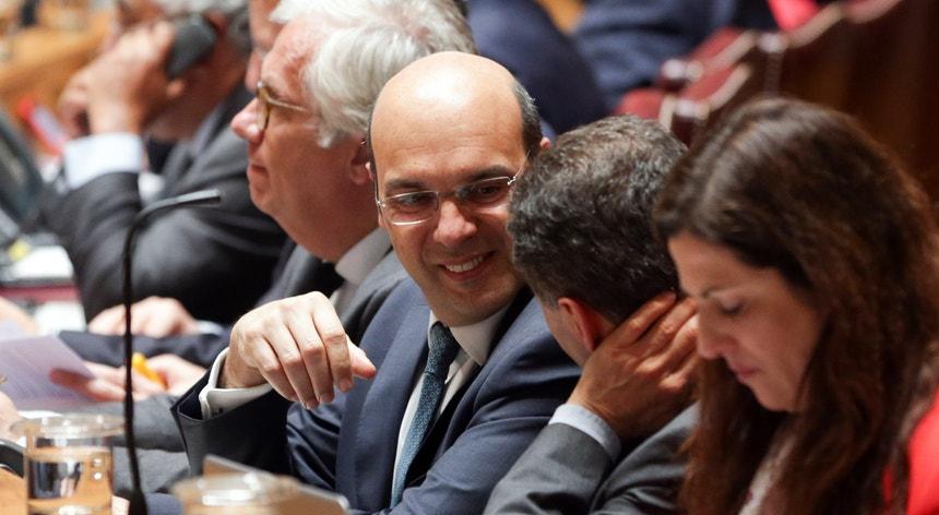 O ministro-adjunto Pedro Silva Pereira no debate quinzenal desta quarta-feira