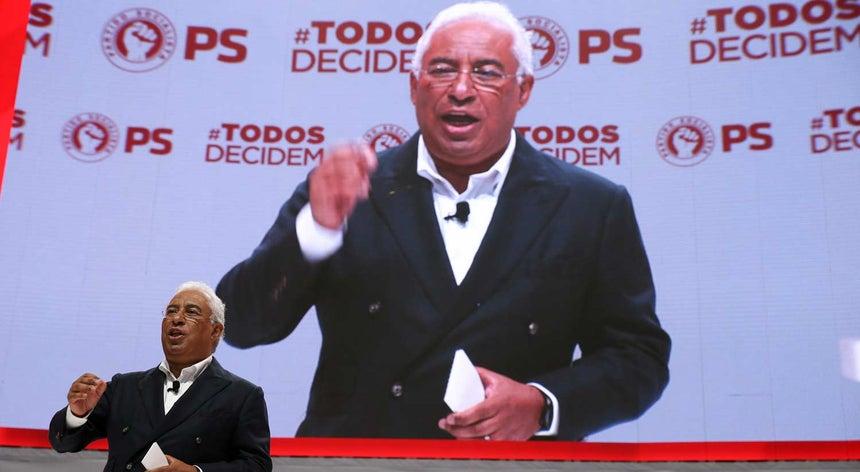 Resultado de imagem para António Costa admite rever Constituição para combater violência doméstica
