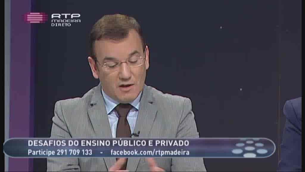 Ensino Público e Privado...