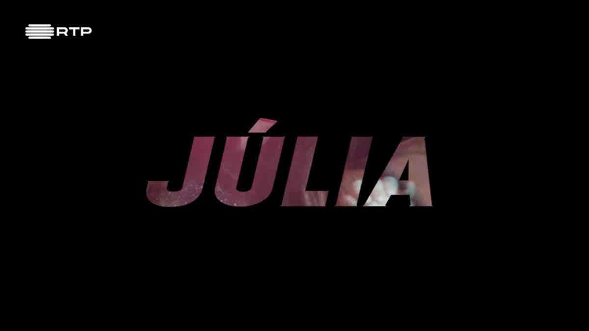 Júlia...