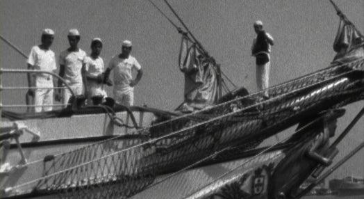 Partida do navio escola Sagres