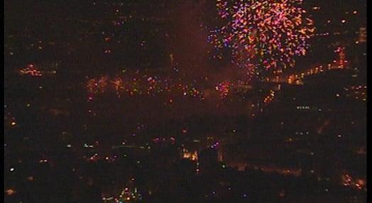 Fogo de artifício japonês na Ponte Dom Luis