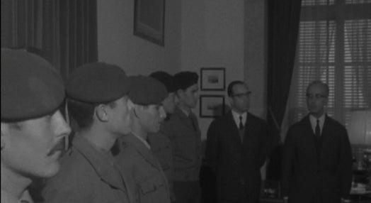 Ministro do Exército recebe militares galardoados