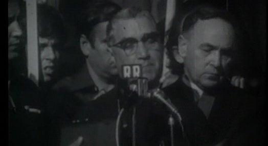"""Dicionário de Abril: Letra V de """"Verão Quente de 1975"""""""