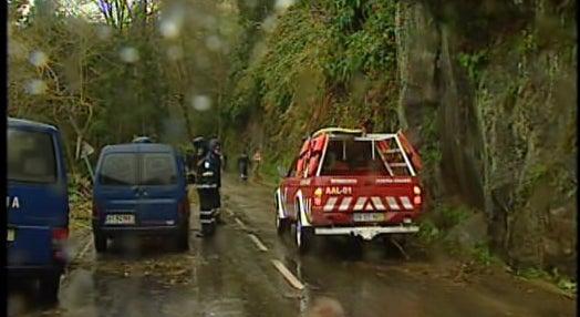 Despiste de autocarro nos Açores