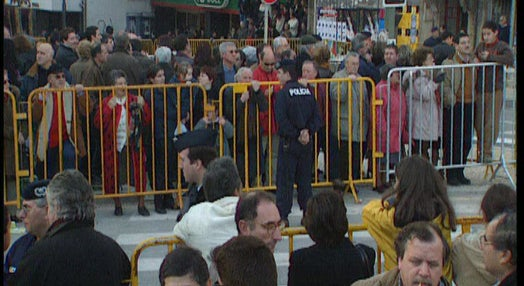 Abertura do Porto 2001 marcada por manifestações