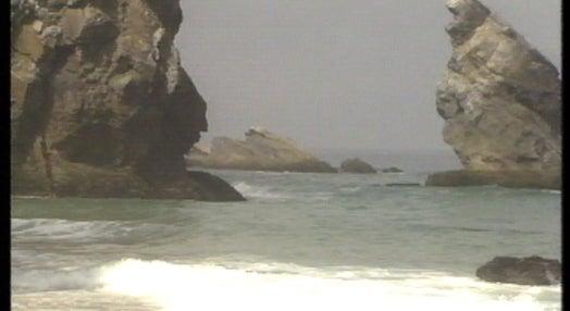 Praia da Adraga recebe bandeira azul