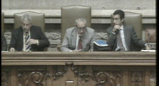 Parlamento homenageia José Saramago