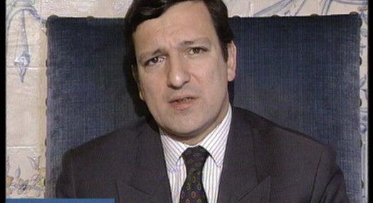 Durão Barroso apela a cessar-fogo em Angola